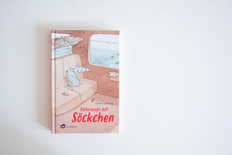 Literaturbesprechung:  »Unterwegs mit Söckchen« von Claire Lebourg
