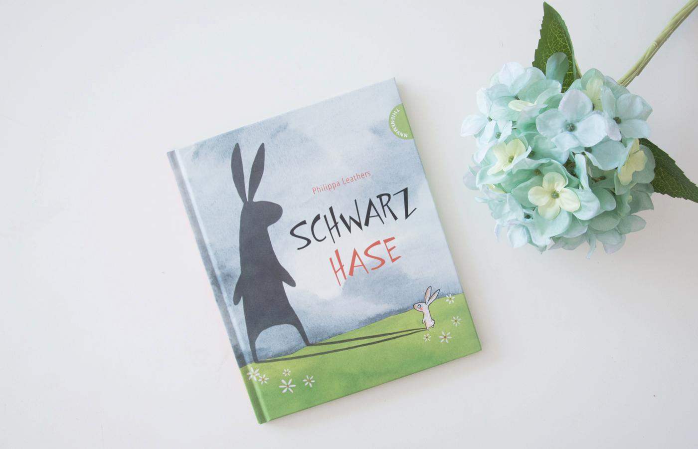 Literaturbesprechung:  »Schwarzhase« von Philippa Leathers
