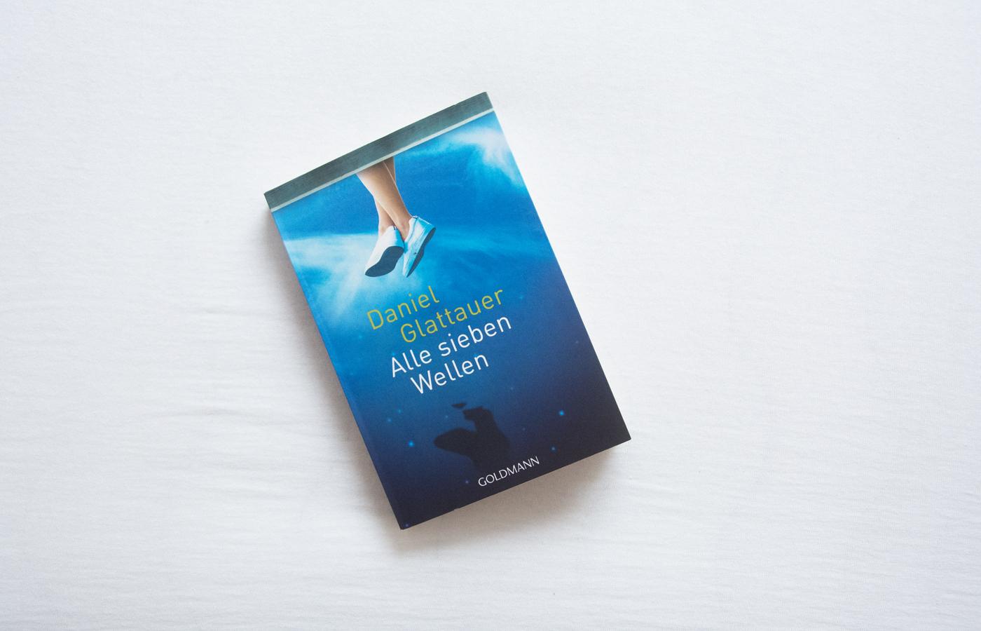 Literaturbesprechung:  »Alle sieben Wellen« von Daniel Glattauer